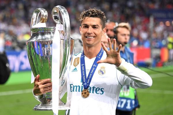 Após 9 anos no Real, Cristiano Ronaldo acerta com a Juventus