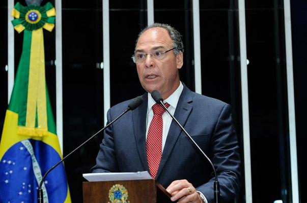Senado: Líder do governo anuncia acordo para votar quatro MPs até quinta-feira