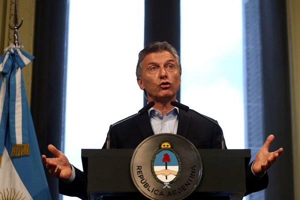 Em crise cambial, Argentina pede socorro ao FMI