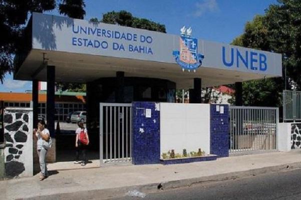 Professores da Uneb e Uefs paralisam atividades por 24 horas