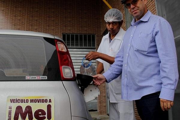 Apicultor faz etanol a partir de mel em Vitória da Conquista