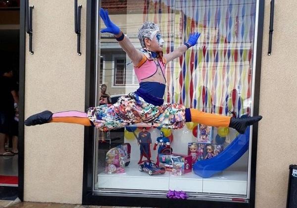 Brasileiro de 13 anos vai estudar no Cirque du Soleil