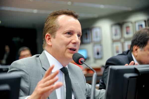 Russomanno quer que ministro do Planejamento explique calote do Brasil ao Parlasul