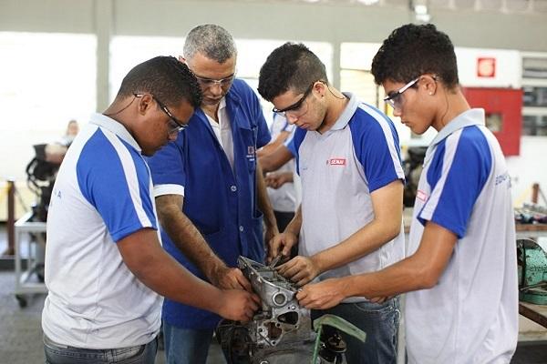Senai abre 950 vagas para cursos gratuitos em 16 cidades baianas