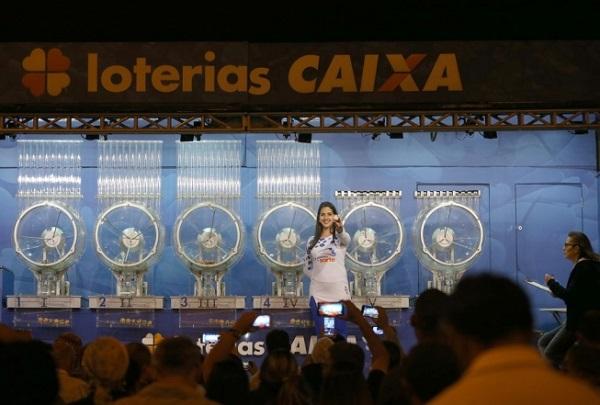 Mega-Sena acumula e prêmio vai a R$ 6,5 milhões