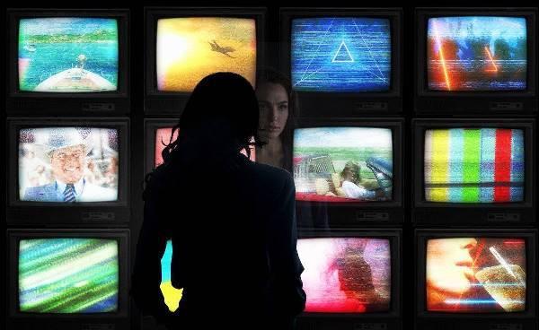 """Warner divulga primeiras imagens da sequência de """"Mulher Maravilha"""""""
