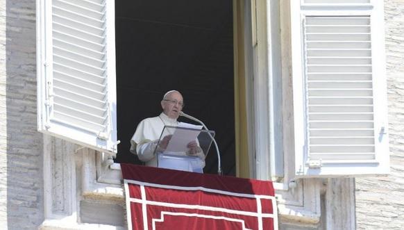 """Papa Francisco alerta para perigo de nova """"catástrofe humanitária"""" na Síria"""