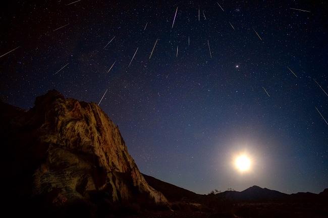 Brasileiros podem observar chuva de meteoros na noite deste domingo
