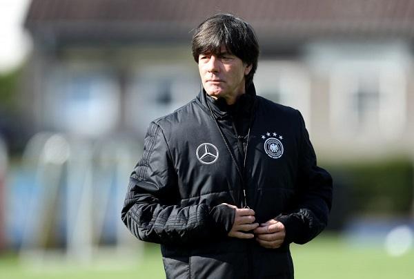Federação Alemã de Futebol anuncia permanência do técnico Joachim Löw. A  Federação Alemã de Futebol (DFB) anunciou nesta terça-feira ... 3cb2cc22555a5