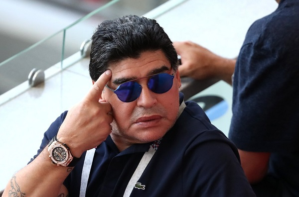 Após dois anos, Maradona renuncia a cargo de embaixador da Fifa