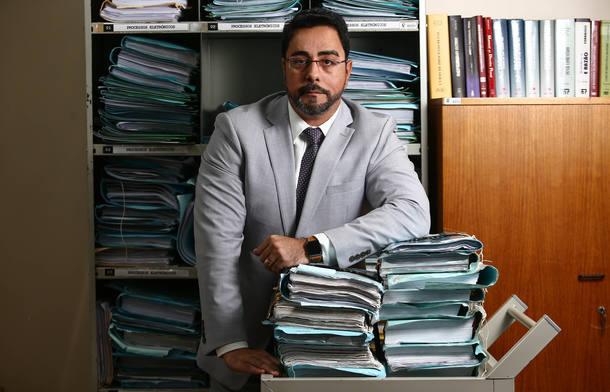 Bretas condena Cabral a mais 33 anos e três meses de prisão