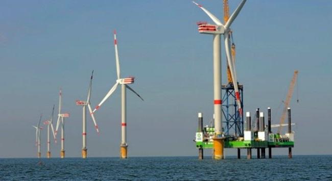 Petrobras vai investir em energia eólica no mar do Nordeste