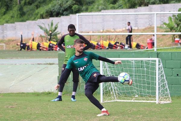 Mais três reforços do Vitória já treinam na Toca do Leão