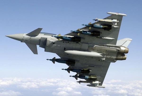 Avião da Espanha dispara míssil por acidente na Estônia
