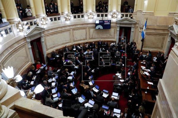 Senado da Argentina rejeita a legalização do aborto