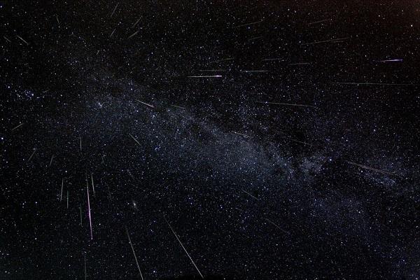 Chuva de meteoros terá pico na madrugada desta segunda-feira