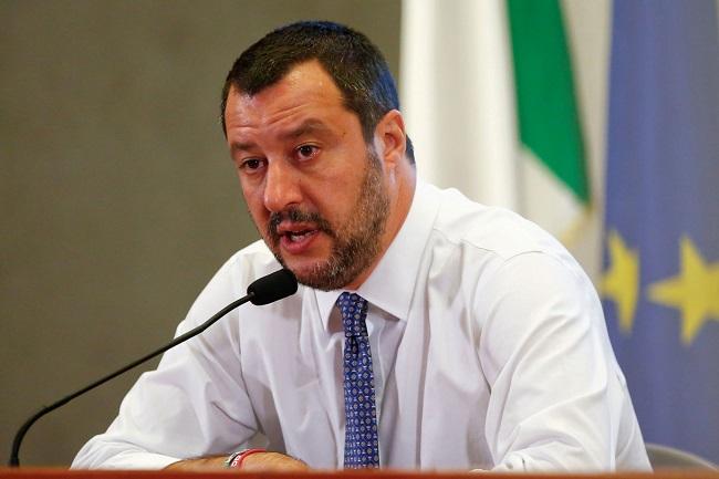 Líderes italianos apoiam coletes amarelos e abrem crise com a França