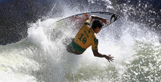 Liga Mundial de Surfe suspende competições até o fim de maio