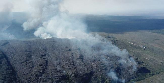 Incêndio destrói 2,9 mil hectares no Parque Nacional da Chapada Diamantina