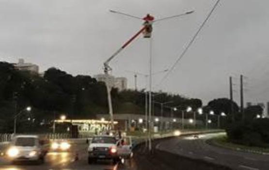 ViaBahia inicia recuperação da iluminação em trecho da BR-324