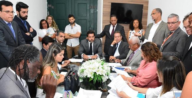 Comissões da Câmara de Salvador vão analisar projeto sobre Uber na segunda-feira