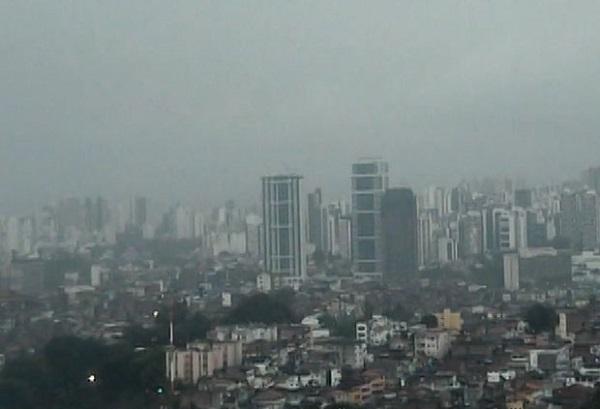 Codesal alerta para frente fria em Salvador até terça-feira