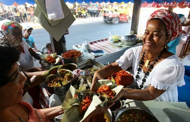 Bahia tem 274 mil pessoas trabalhando nas ruas, diz IBGE