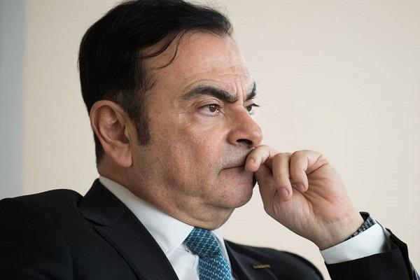 Brasileiro Carlos Ghosn paga fiança e sai da prisão no Japão