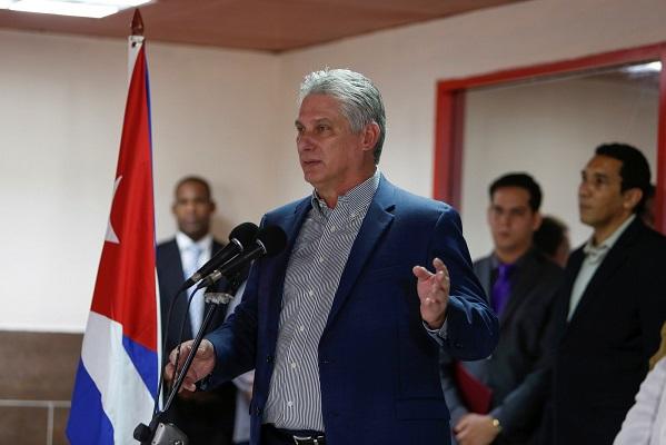 Nova constituição de Cuba reconhece o mercado, mas continua ditadura comunista