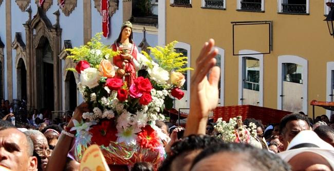 Santa Bárbara abre calendário de festas populares em Salvador