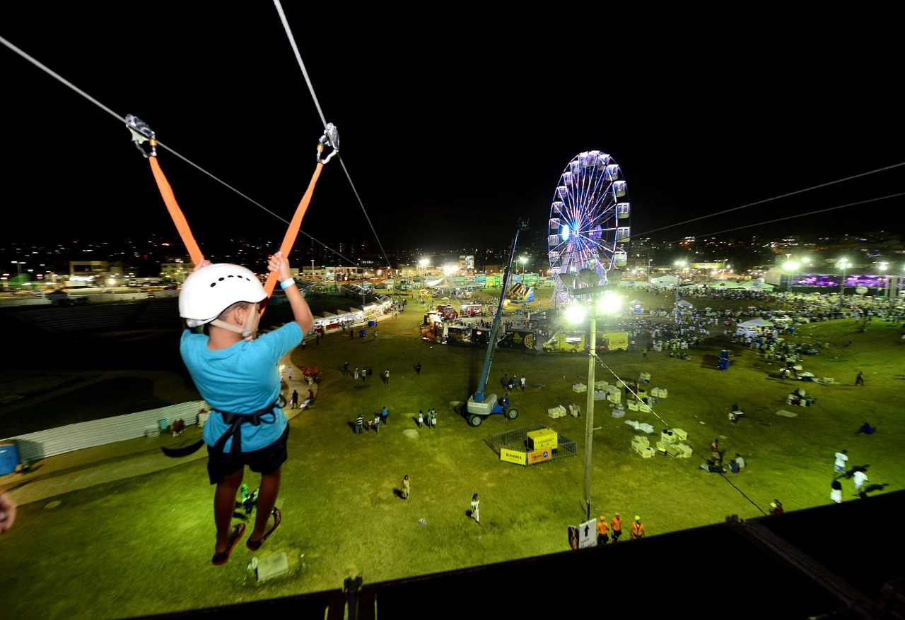 Tirolesa atrai 1,4 mil pessoas por dia no Festival Virada Salvador