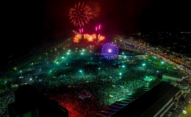 Público de 800 mil pessoas curtiu o Réveillon no Festival Virada Salvador