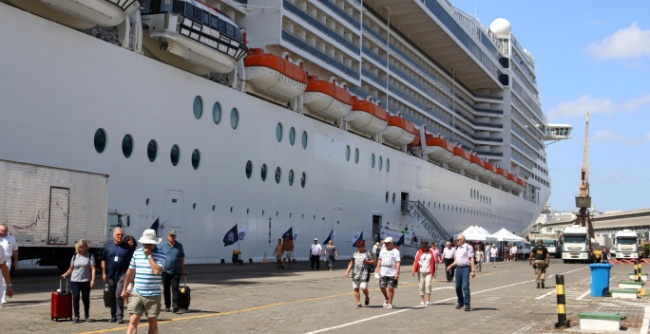 Mais de 100 mil passageiros de cruzeiros devem chegar a Salvador até abril