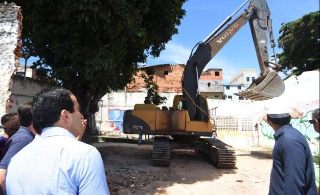 Bruno Reis autoriza reconstrução de escola em São Cristóvão