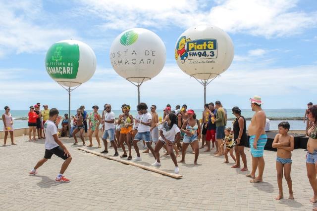Prefeitura promove a Costa de Camaçari junto aos visitantes