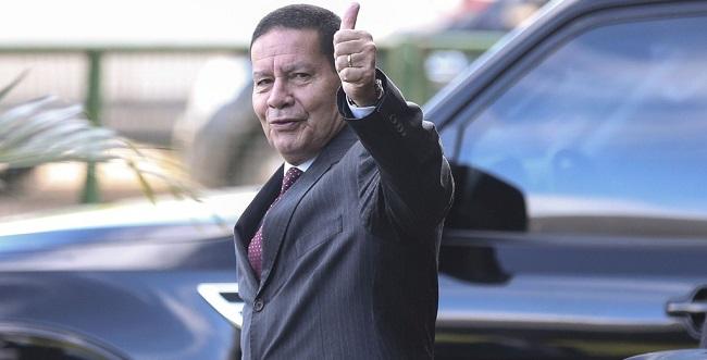 Mourão vai representar o Brasil na posse de Fernández na Argentina