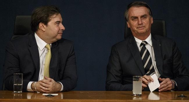 Bolsonaro pergunta sobre Collor em bilhete para Rodrigo Maia