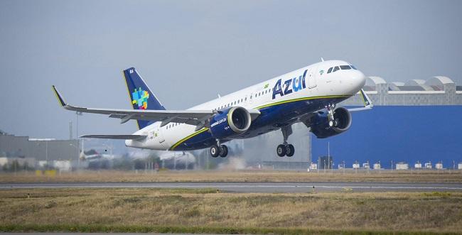 Avião da Azul arremete no aeroporto de Porto Seguro