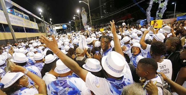 Carnaval de Salvador começa com a Quinta do Samba e novo Furdunço na Barra