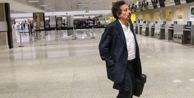 Em prisão domiciliar, João Santana escreve livro e compõe músicas, diz jornal
