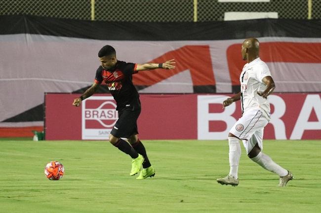 No Barradão, Vitória leva 2 a 1 do Atlético de Alagoinhas