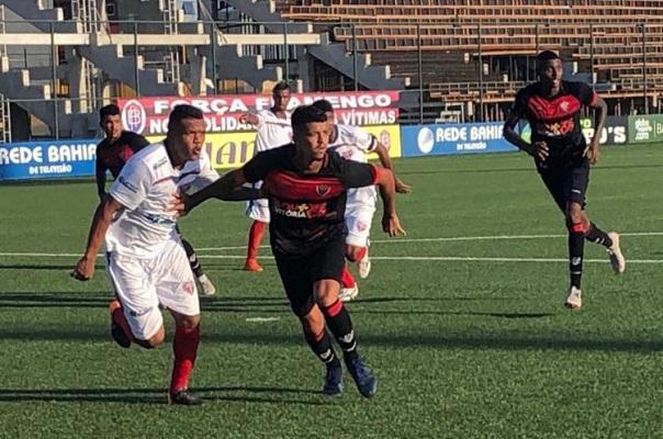Fora de casa, Vitória empata com o Bahia de Feira por 2 a 2
