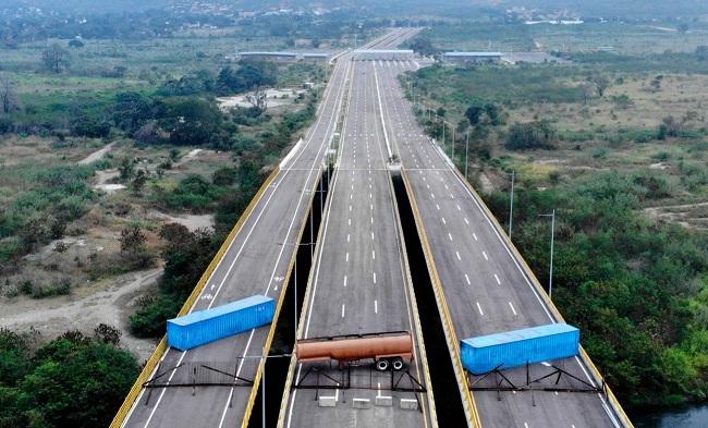 Maduro bloqueia entrada de ajuda humanitária na Venezuela