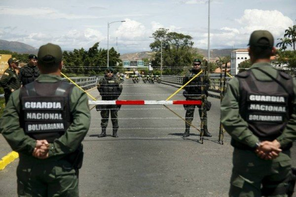 Maduro autoriza reabertura parcial de fronteira da Venezuela com a Colômbia