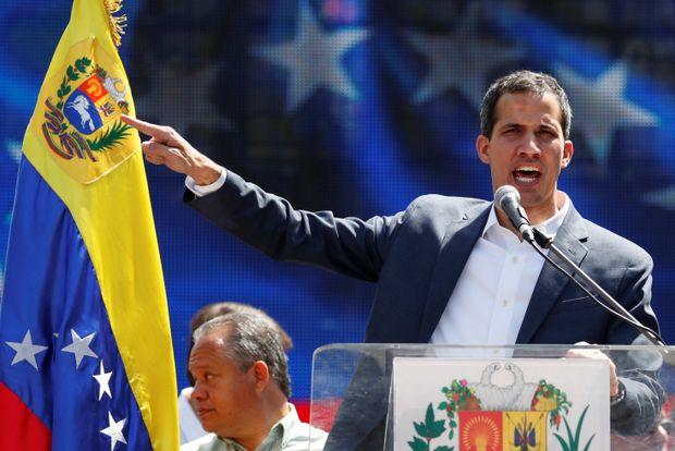 Guaidó denuncia tentativa de Maduro de enviar US$ 1,2 bilhão para o Uruguai