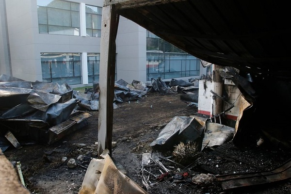 """Sobrevivente diz que havia """"gambiarra"""" em ar-condicionado do CT do Flamengo"""