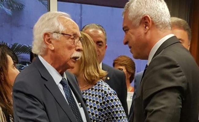 Carvalhosa apresenta pedido de impeachment de Gilmar Mendes no Senado