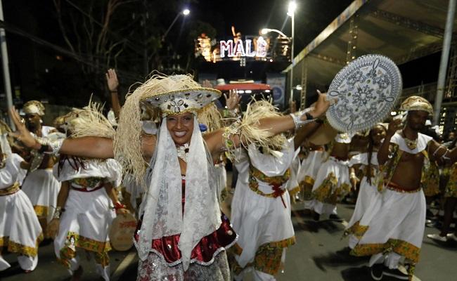 Sábado de Carnaval tem saída do Ilê e blocos afro na avenida