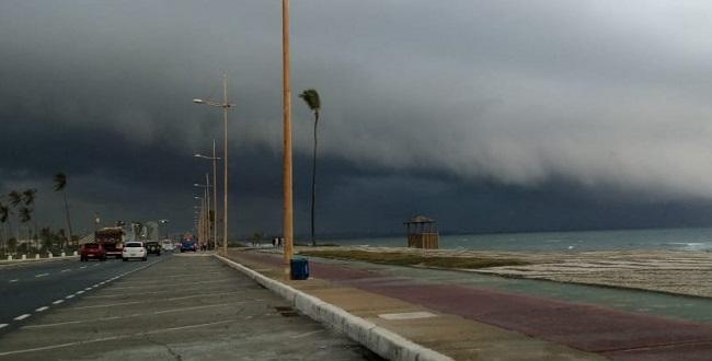 Frente fria deve permanecer no litoral da Bahia até o fim de semana