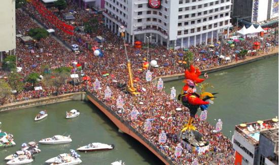 Polícia investiga 25 ataques com agulhas no Carnaval de Recife